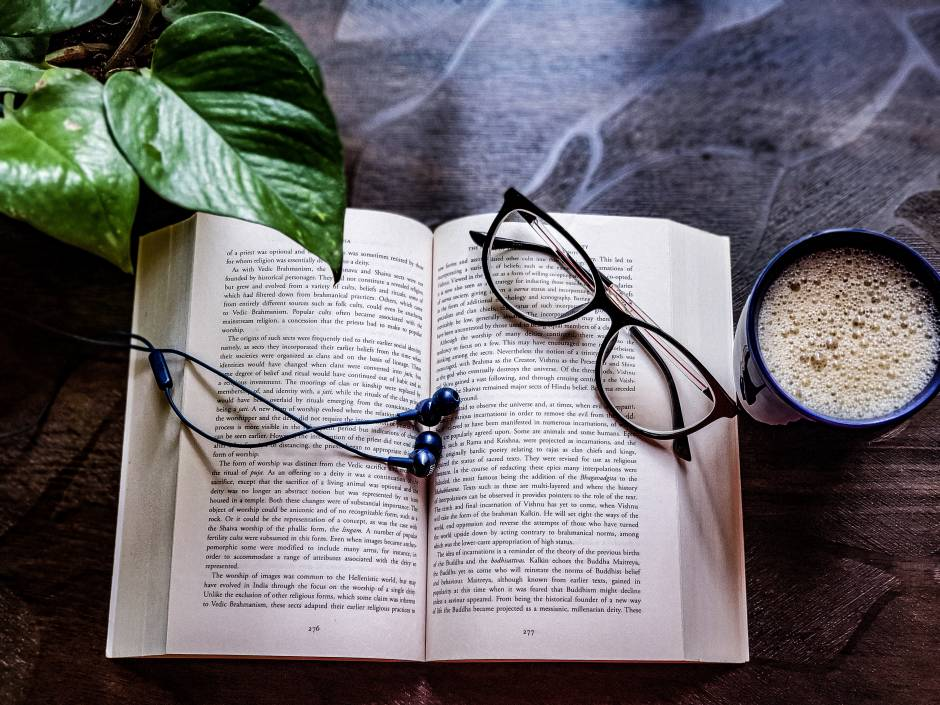 The aesthetic charm of reading {photography}